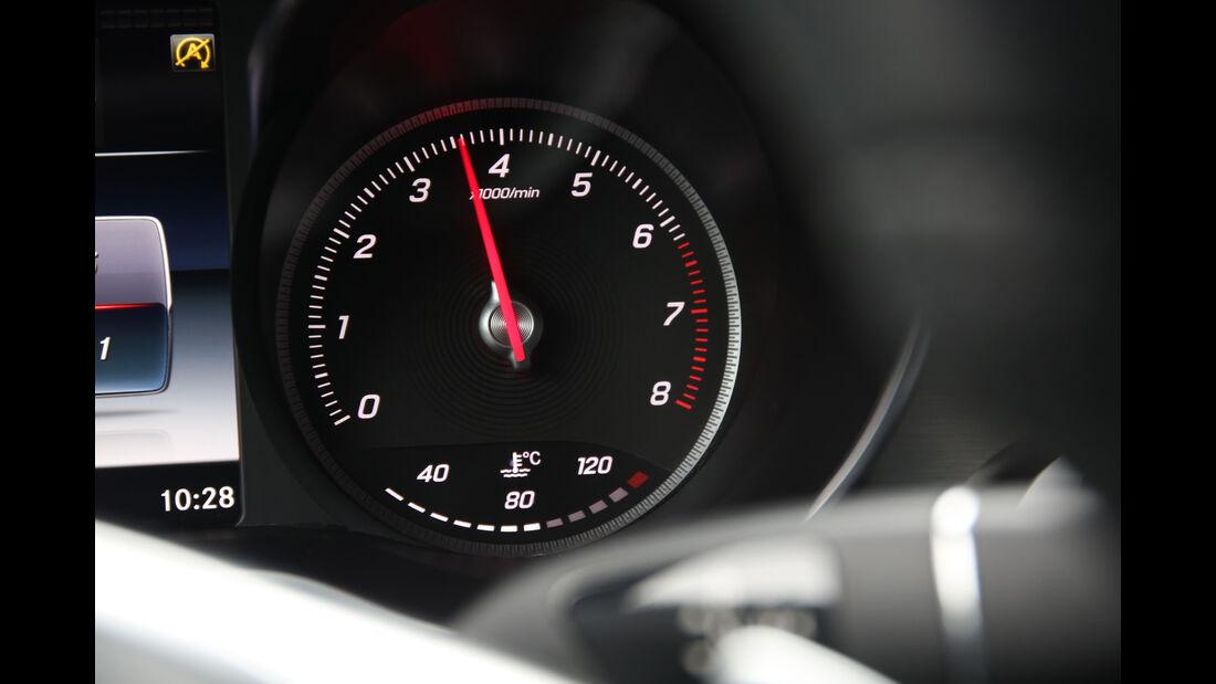 Mercedes GLC 250 4Matic, Drehzahlmesser
