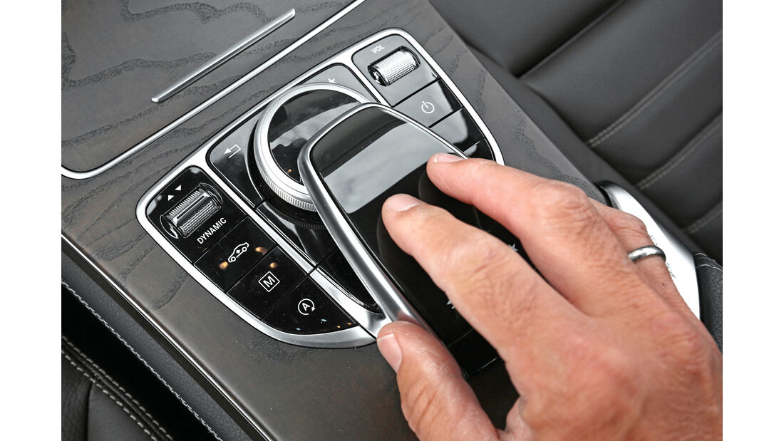 Mercedes GLC 250 d 4Matic, Bedienelemente