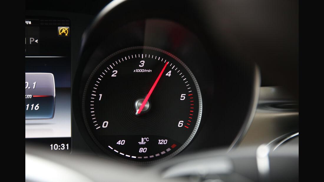 Mercedes GLC 250d 4Matic, Drehzahlmesser