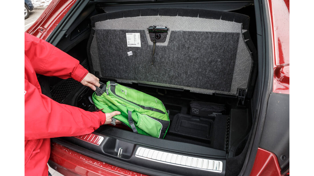 Mercedes GLC 300 4Matic Coupé, Kofferraum, Staufach