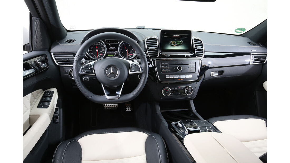Mercedes GLE 500 e 4Matic, Cockpit