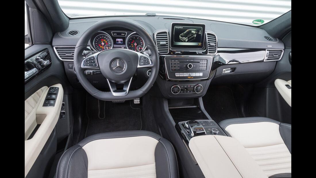 Mercedes GLE 500e, Cockpit