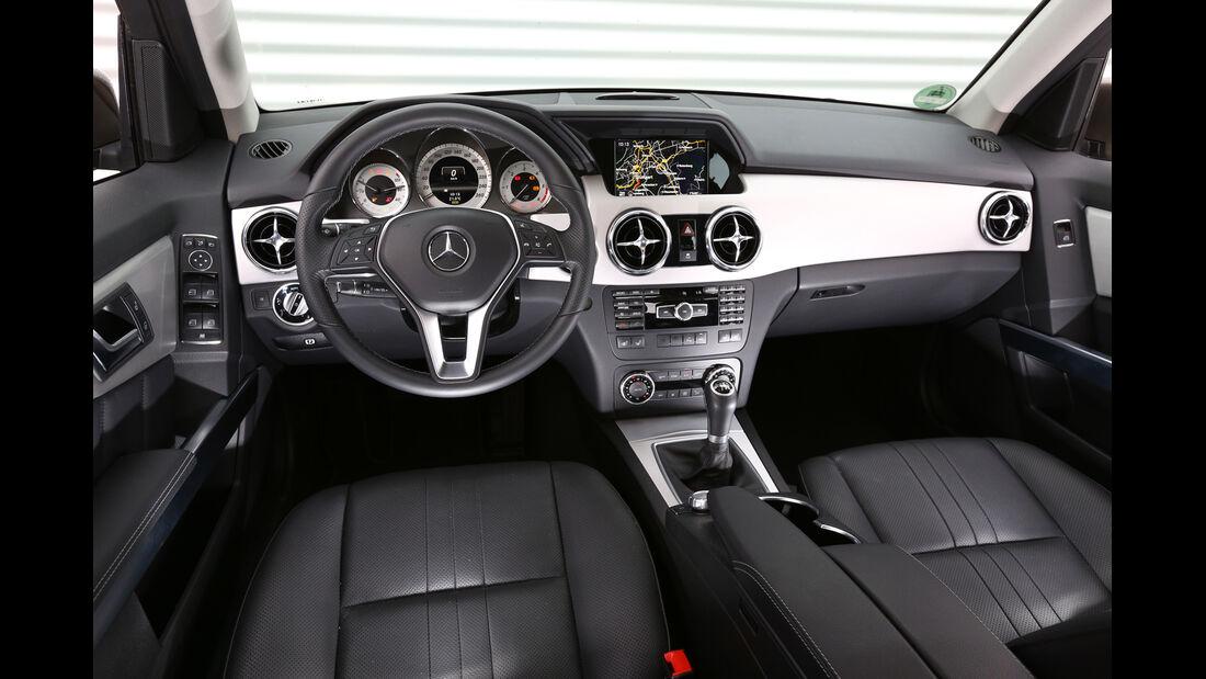 Mercedes GLK 200 CDI, Cockpit, Lenkrad