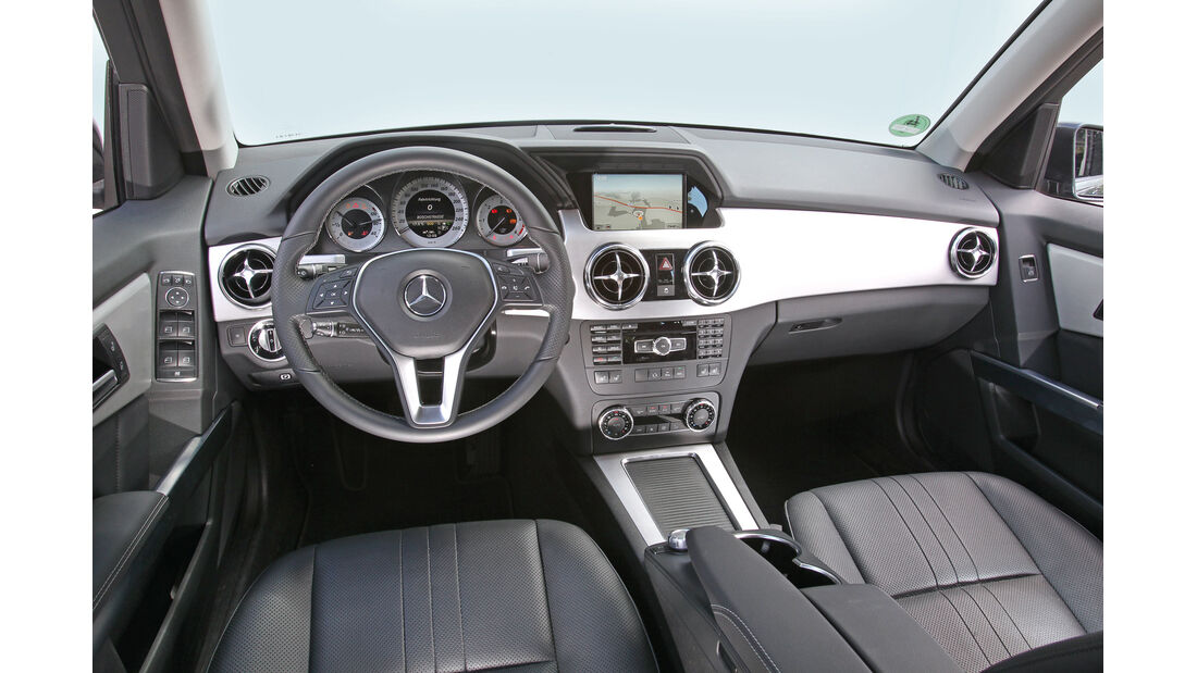Mercedes GLK 220 CDI Bluetec, Cockpit, Lenkrad