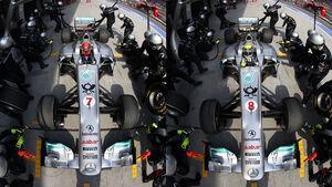 Mercedes GP Boxenstopp 2011