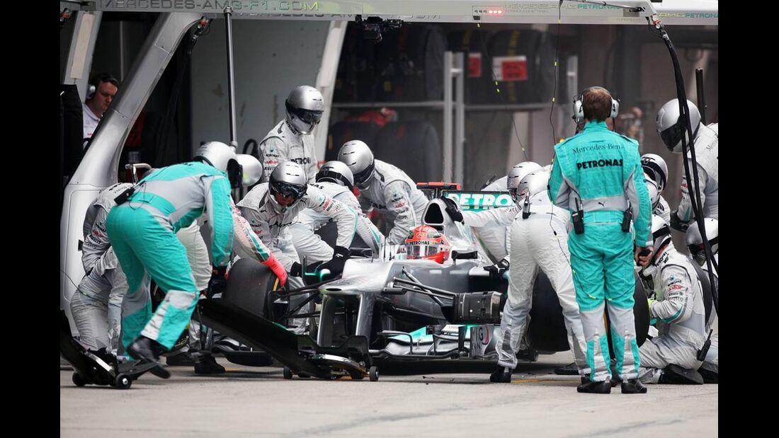 Mercedes GP Boxenstopp  - Formel 1 - GP China - 15. April 2012