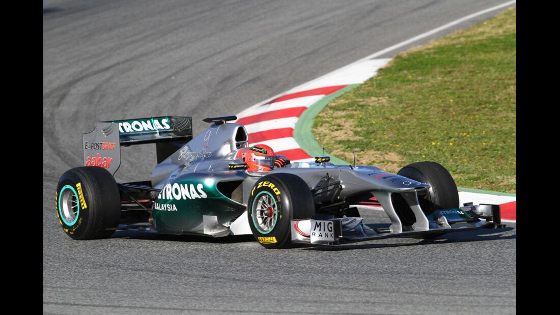 Mercedes GP W02 Schumacher Formel 1 Test Barcelona 2011