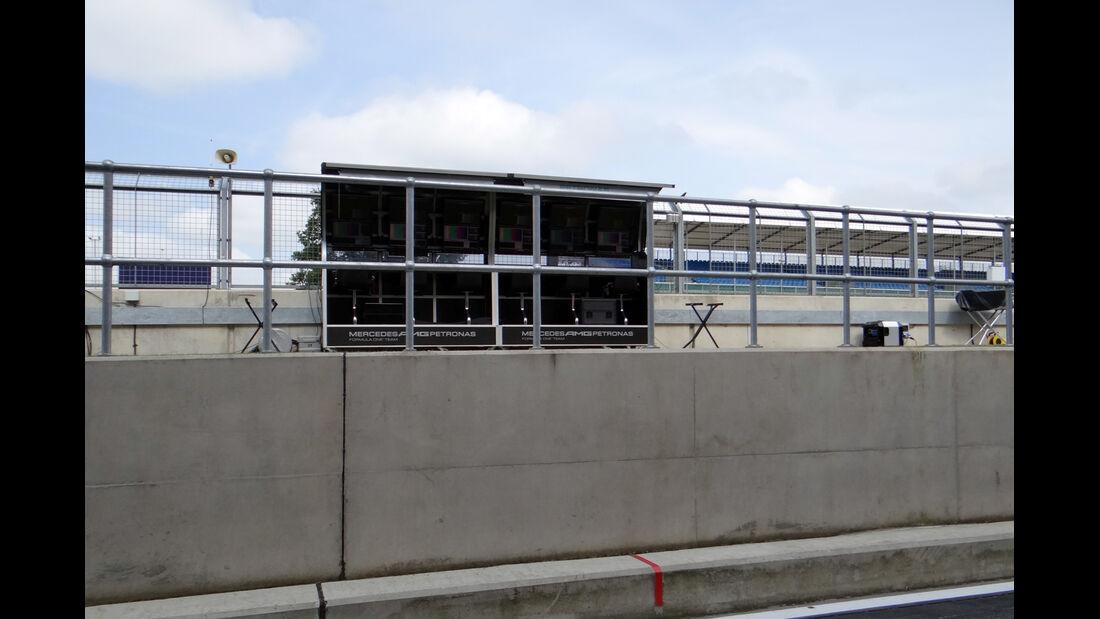 Mercedes Kommandostand - Formel 1 - GP England - 27. Juni 2013