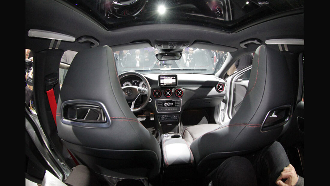 Mercedes Konzernabend Auto-Salon Genf 2012 Premiere A-Klasse Interieur Sitze