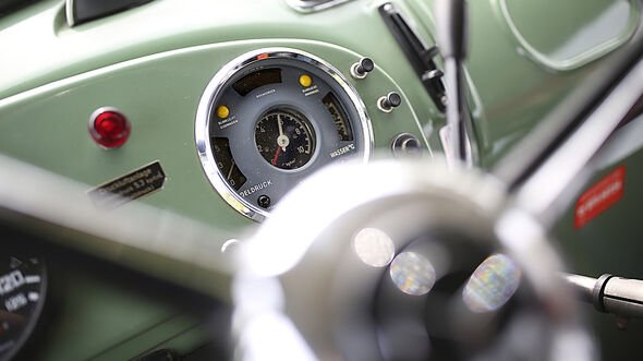Mercedes Kurzhauber L 1113, Interieur