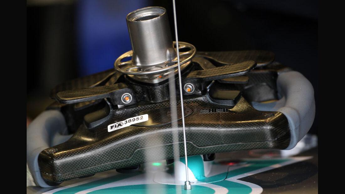 Mercedes-Lenkrad - GP England - Qualifying - 9. Juli 2011