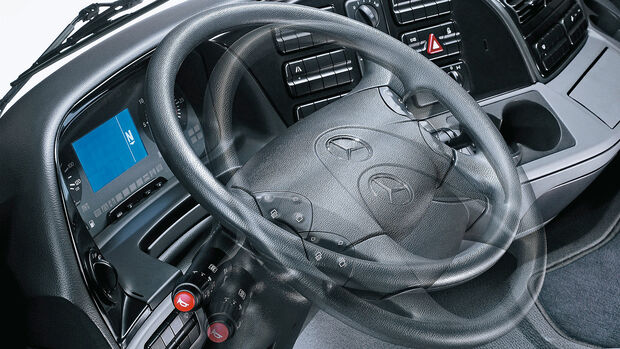 Mercedes Lkw-Cockpit Historie