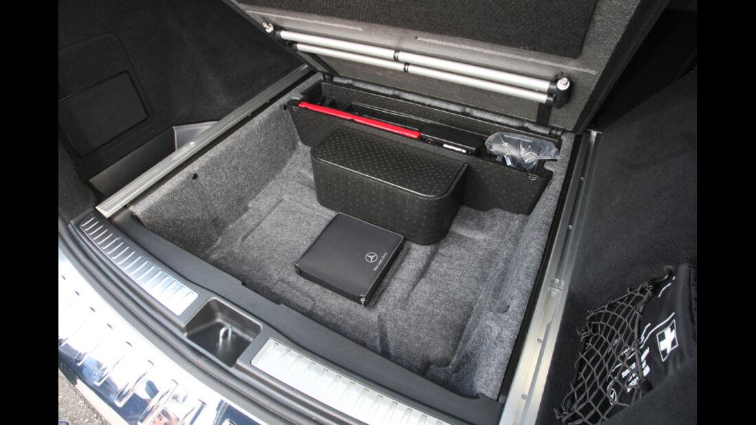 Mercedes ML 250 Bluetec 4-matic, Laderaumboden