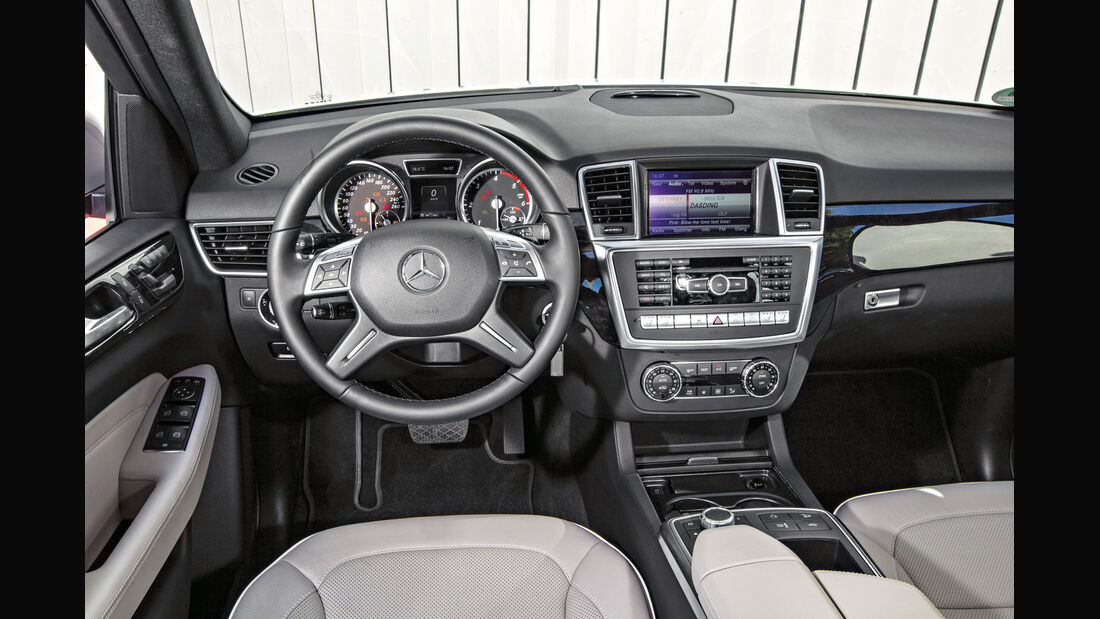 Mercedes ML 250, Cockpit