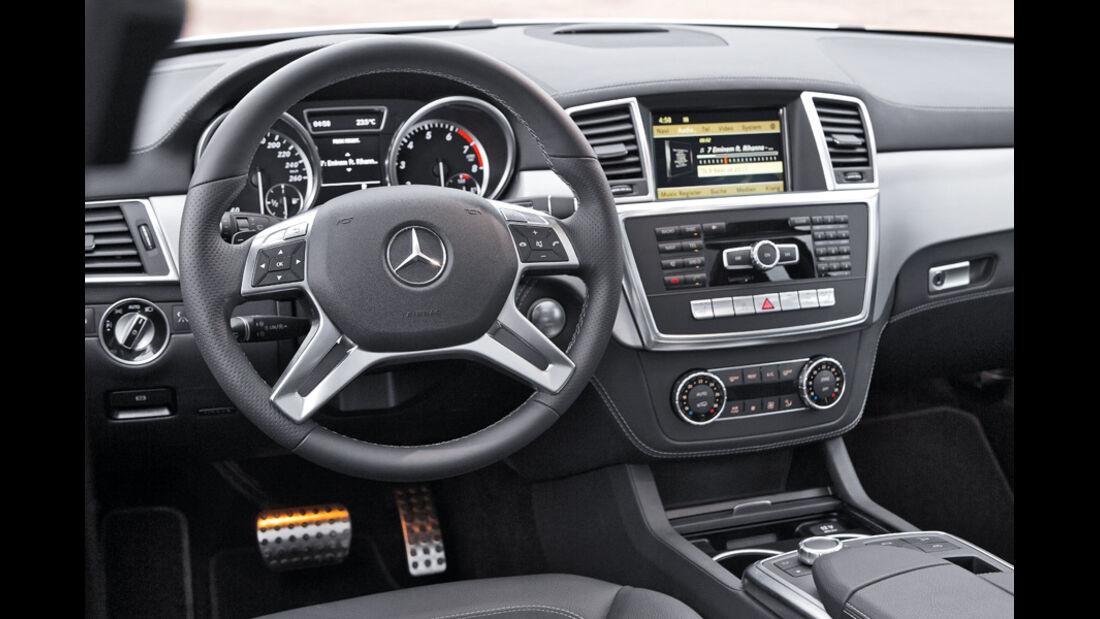 Mercedes ML 350, Cockpit, Lenkrad