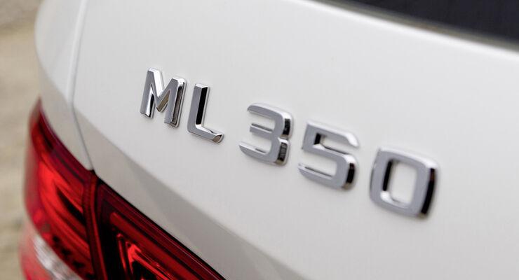 Mercedes ML, Schriftzug