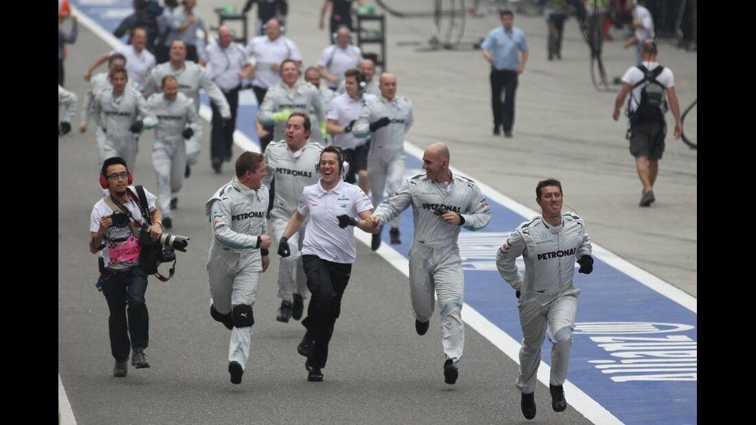 Mercedes Mechaniker  - Formel 1 - GP China - 15. April 2012