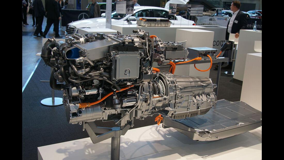 Mercedes Plug-In-Hybrid Technik - Electric Vehicle Symposium 2017 - Stuttgart - Messe - EVS30