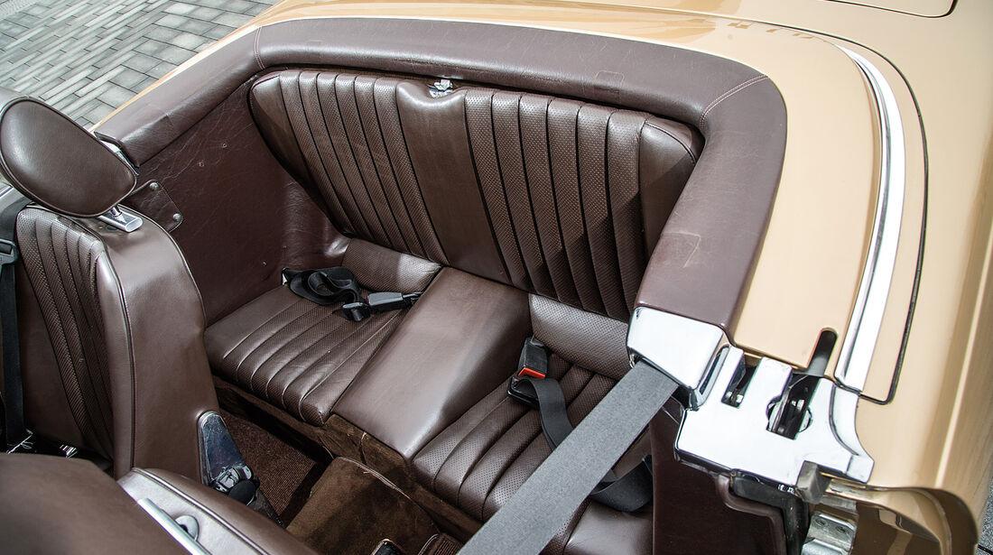 Mercedes R107, Fondsitze