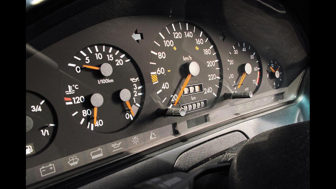 Mercedes R129, Rundinstrumente