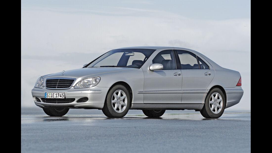 Mercedes S 320, Seitenansicht