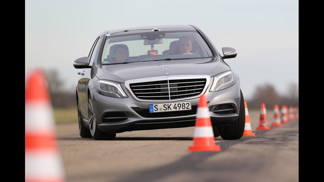 Mercedes S 400 Hybrid, Frontansicht, Slalom