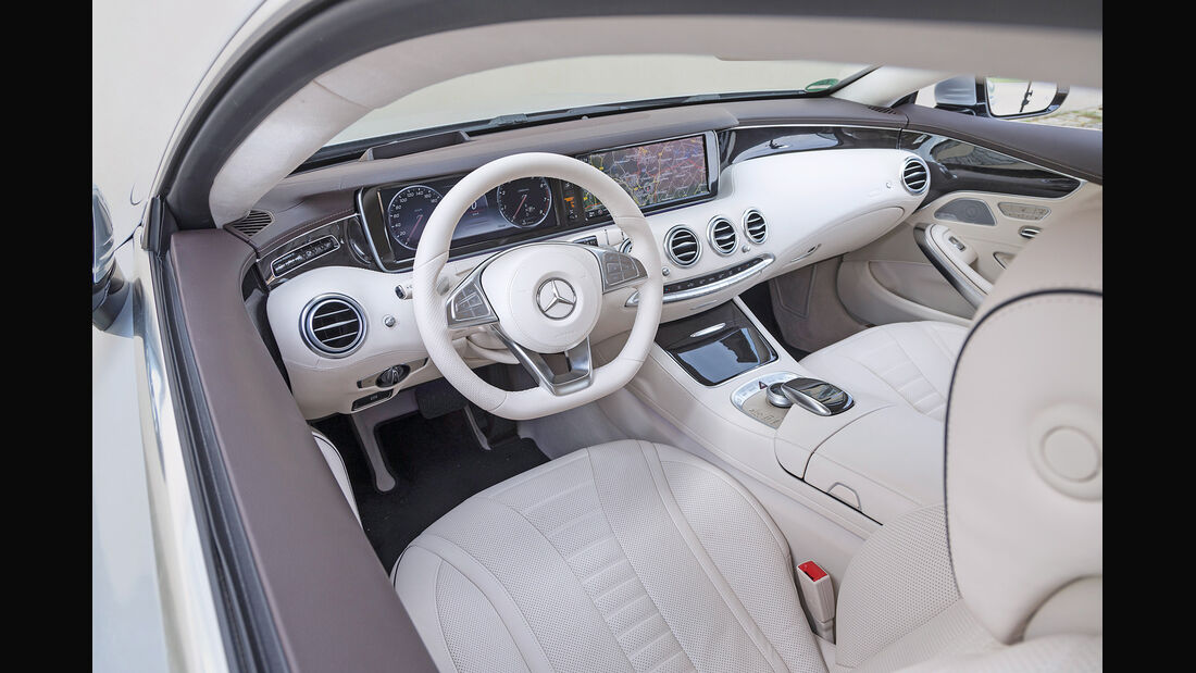 Mercedes S 500 4Matic Coupé, Cockpit