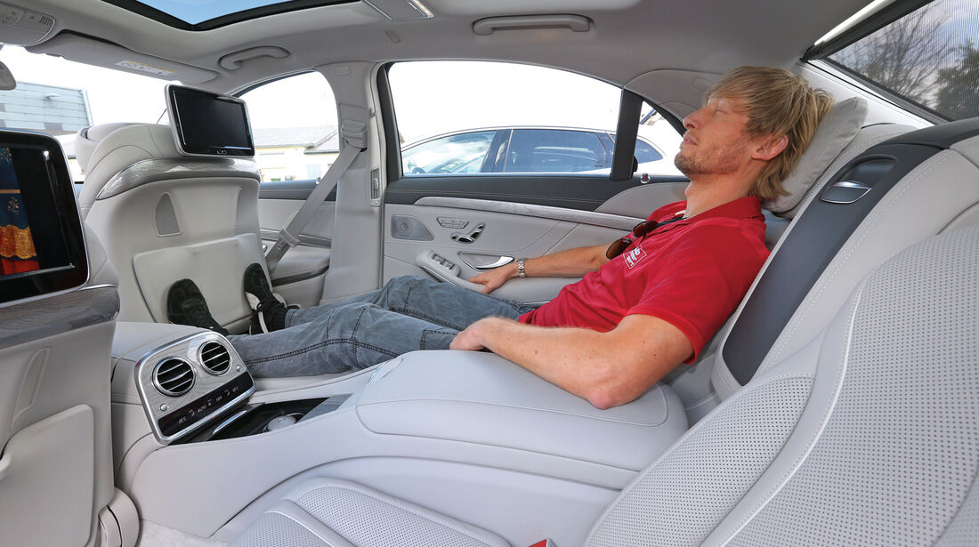 Mercedes S 500 L, Rücksitz, Beinfreiheit