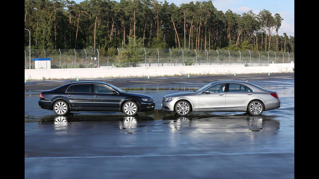Mercedes S 500 L, VW Phaeton, Seitenansicht