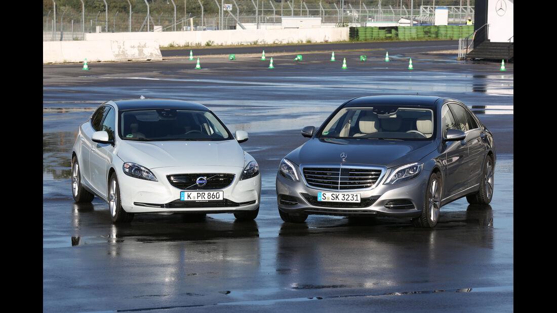 Mercedes S 500 L, Volvo V40, Frontansicht