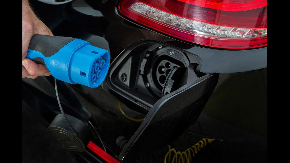 Mercedes S 500 Plug-in-Hybrid, Steckdose