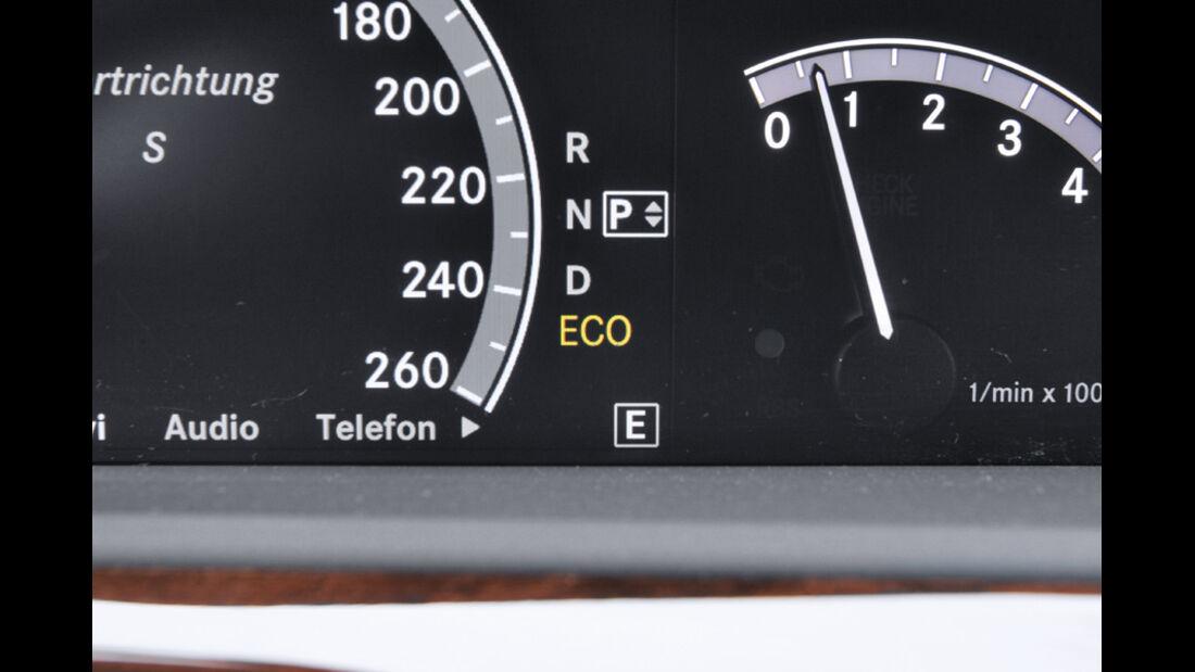 Mercedes S 500, Tacho