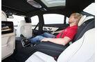 Mercedes S 500 lang, Rücksitz, Beinfreiheit