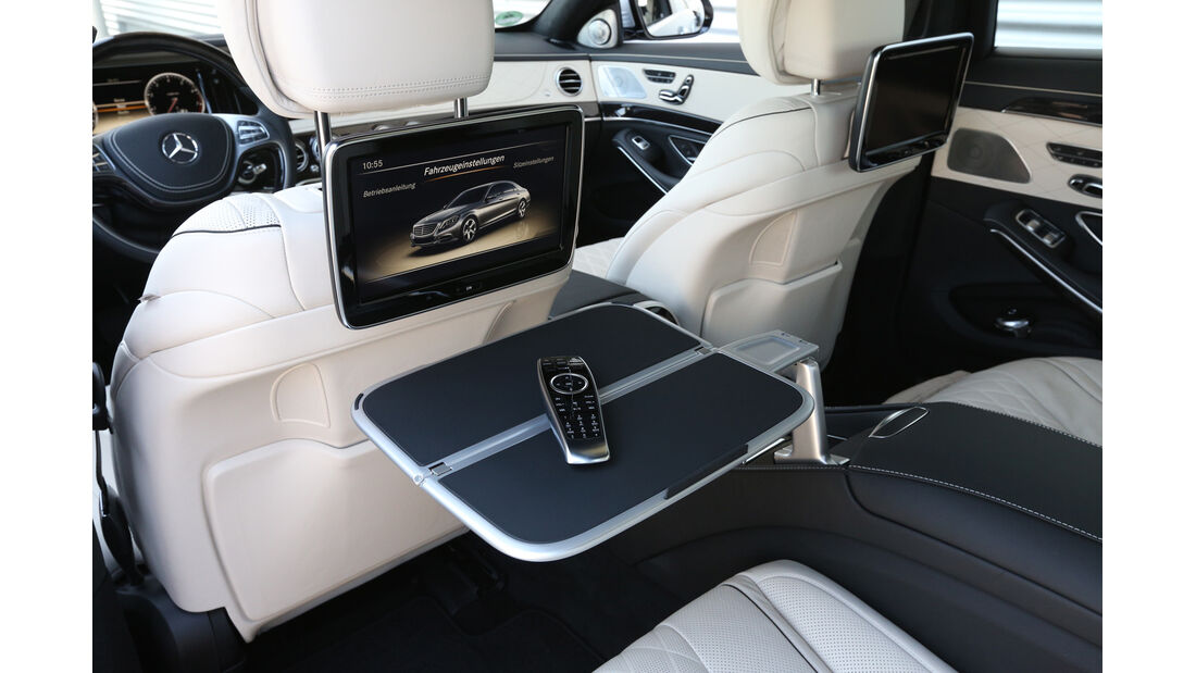 Mercedes S 500 lang, Umklapptisch, Rücksitz