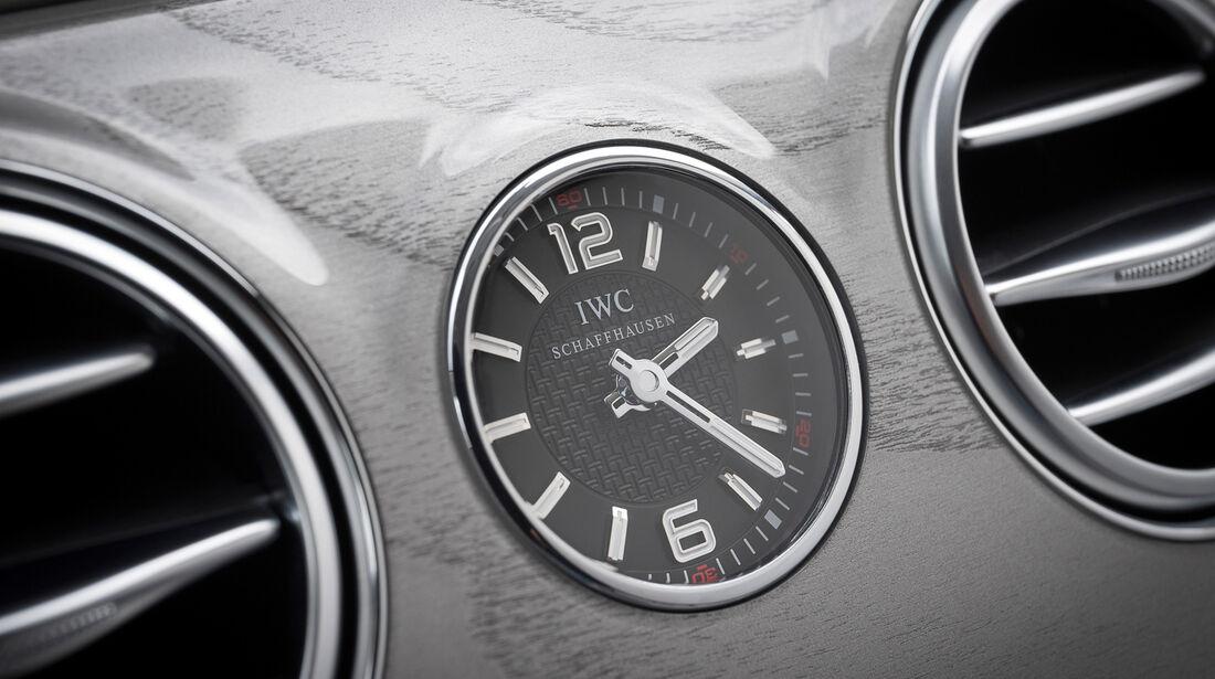 Mercedes S 63 AMG 4matic, Uhr