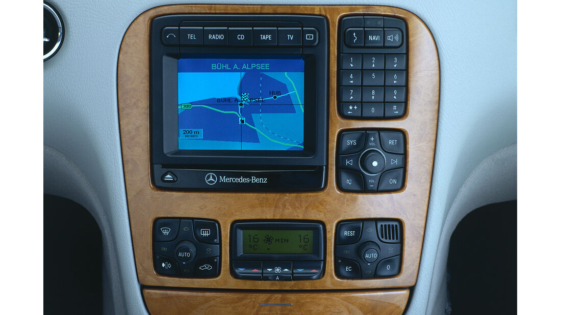 Mercedes S-Klasse, W220, Mittelkonsole, Navigation, Display