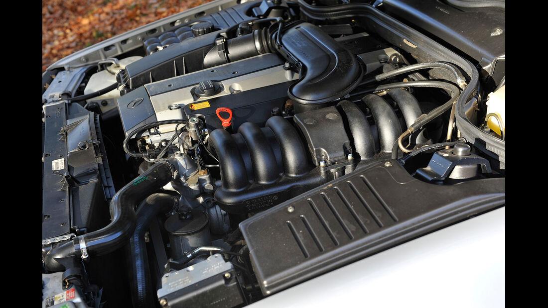 Mercedes SL 280, Motor