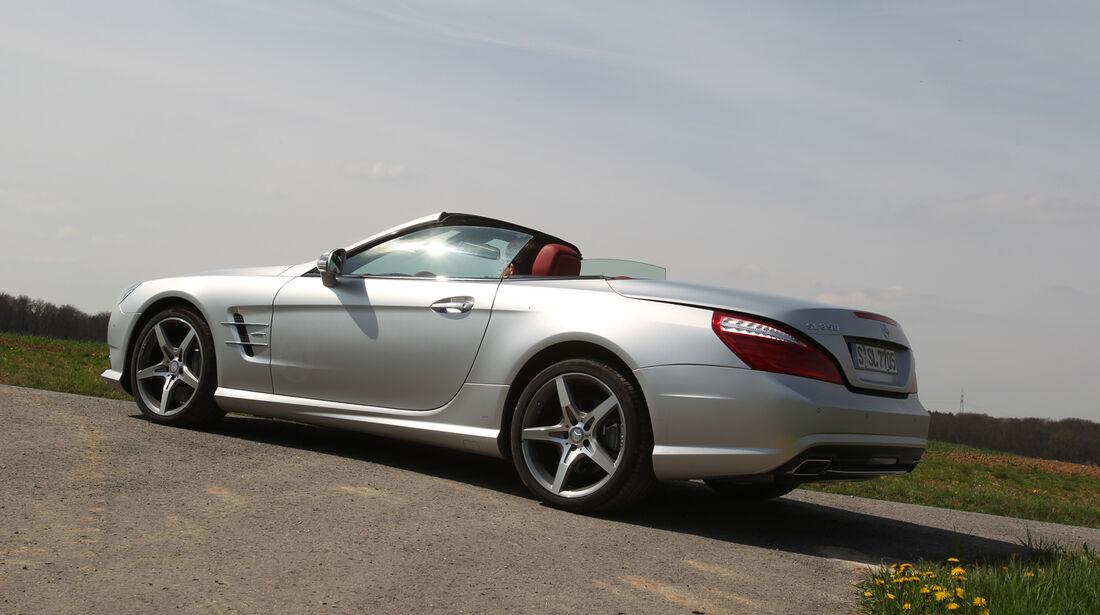 Mercedes SL 350, Seitenansicht, Dach öffnet