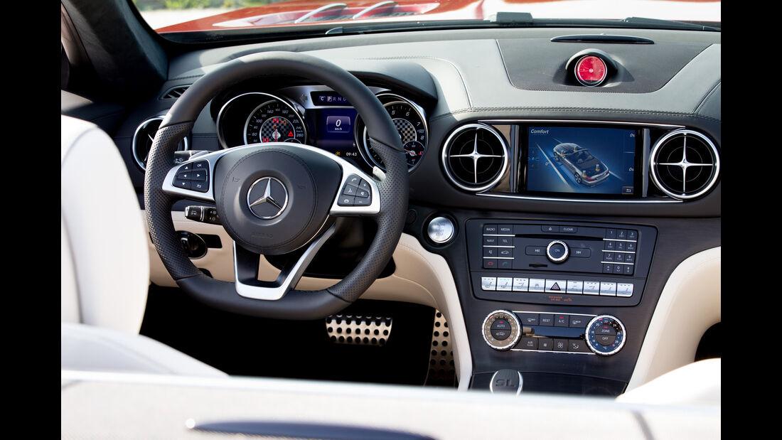 Mercedes SL 400, Cockpit