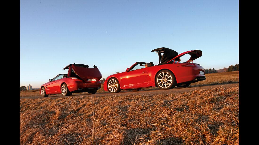 Mercedes SL 500, Porsche 911 Carrera S Cabrio, Seitenansicht, Dach öffnet