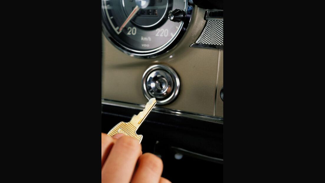 Mercedes SL, Baureihe W 113, Schlüssel