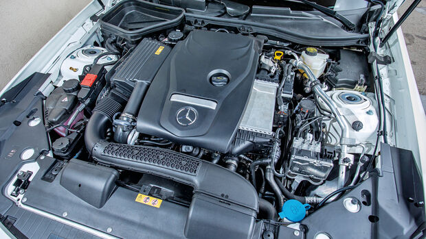 Mercedes SLC 300, Motor