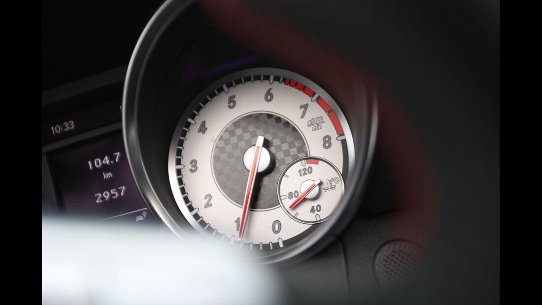 Mercedes SLK 250, Drehzahlmesser