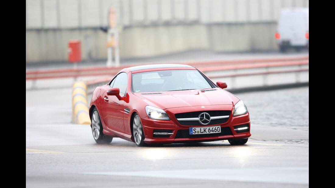 Mercedes SLK, Bodenwellen