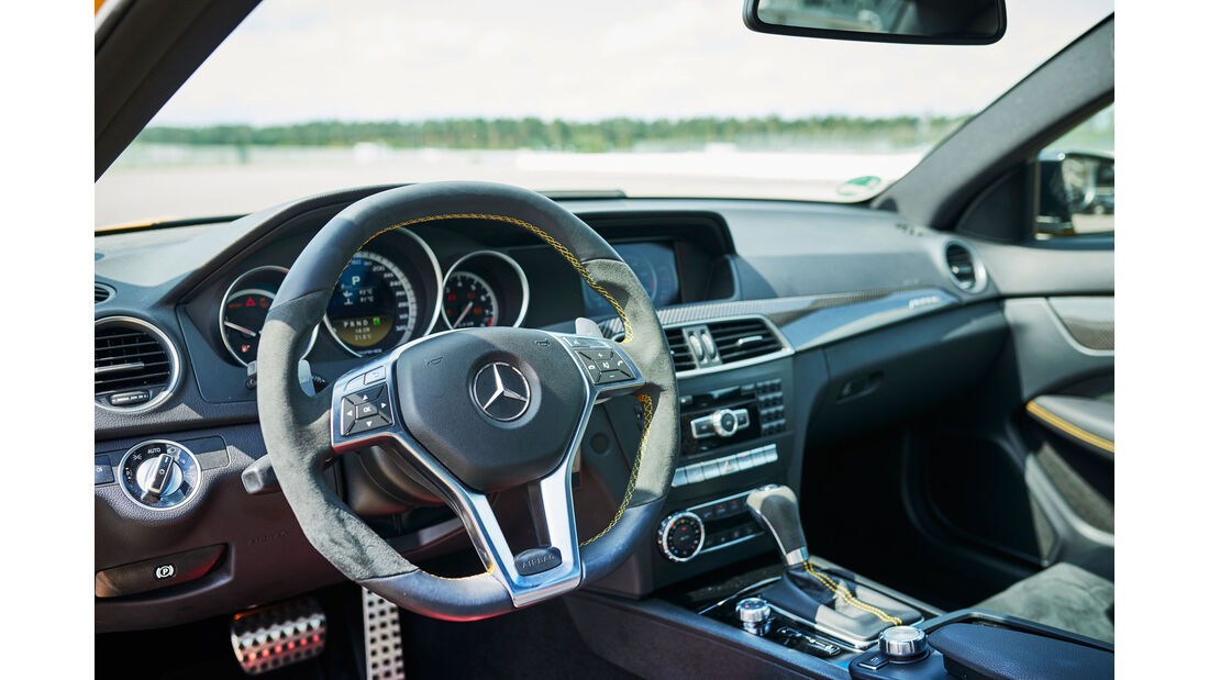 Mercedes SLS AMG Black Series - Innenraum - Cockpit - 50 Jahre AMG