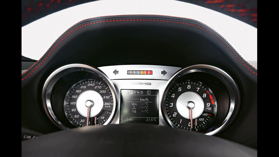 Mercedes SLS AMG Black Series, Rundinstrumente