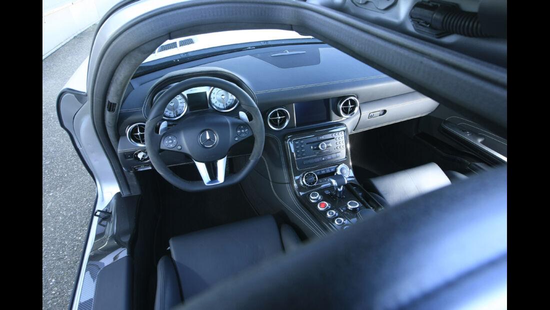 Mercedes SLS AMG Cockpit