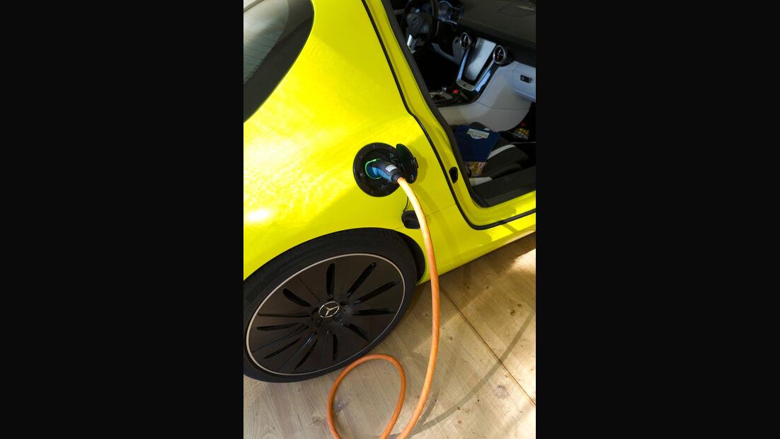 Mercedes SLS AMG E-Cell, Ladebuchse