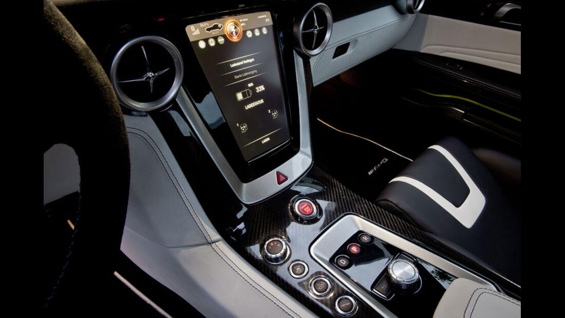 Mercedes SLS AMG E-Cell, Mittelkonsole, Display