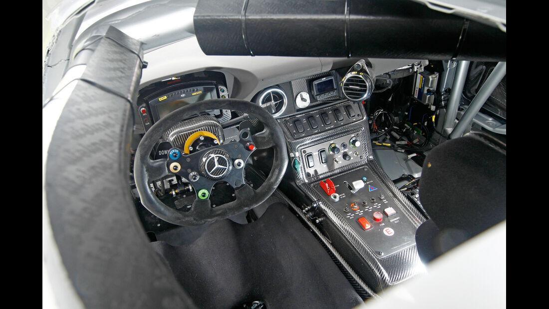 Mercedes SLS AMG GT3, Cockpit
